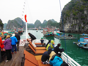fishing village in ha long bay