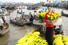 selling flowers mekong