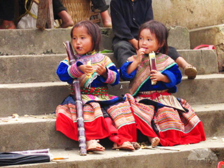 Flower_Mong_children