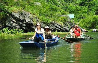 Trang_An_rowing_boat