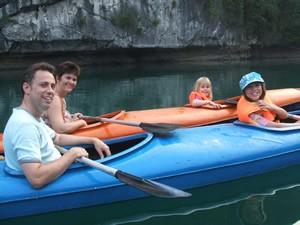 kayaking_Lan_Ha_Bay