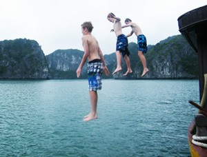 swimming_in_ha_long_bay